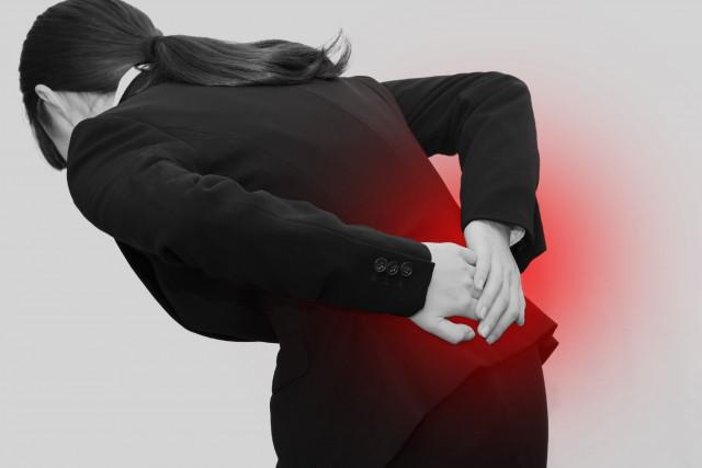 何気ない動作のクセが腰痛の原因